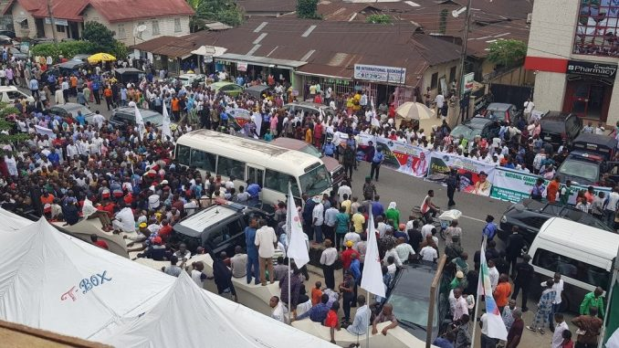 Photos: Youths in Akwa Ibom state march in support of President Buhari's re-election bid