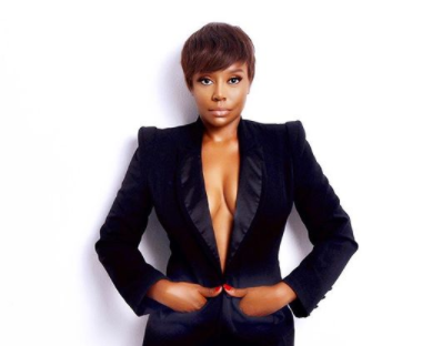 Actress Michelle Dede flashes her boobs in beautiful new photos