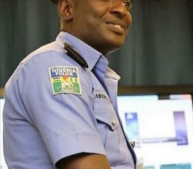 "BBC honours Nigerian police officer who has ""never collected bribe"""