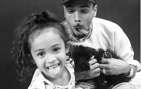 Adorable photos of Chris Brown and his daughter Royalty