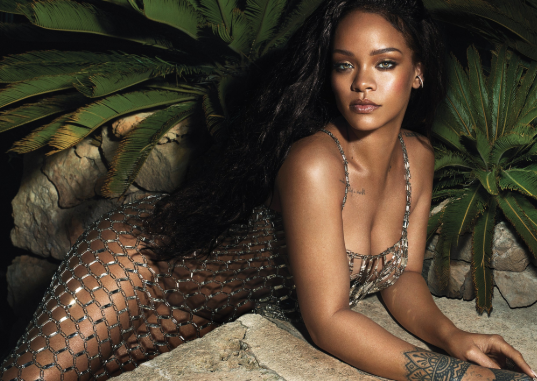 Rihanna stuns on the cover of Vogue magazine (photos)