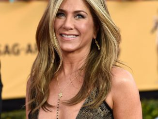 Jennifer Aniston defends cutting off her friends who are not vaccinated
