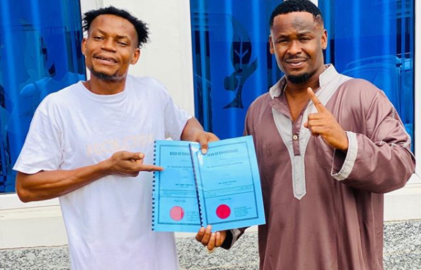 Nollywood actor, Zubby Michael gifts his personal assistant a plot of land (Photo)