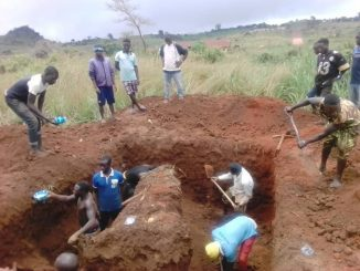 Plateau attacks: Survivors dig graves ahead of Saturday's mass burial